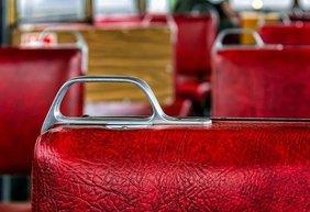 Sitze in Strassenbahn